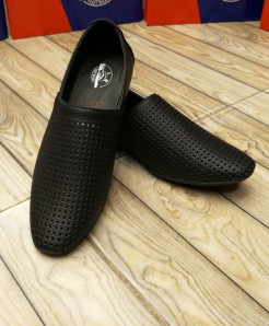 Black Breathable Slip On Stylish Loafers LW-7139