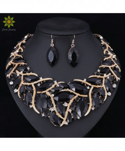 Fashionable Black Jewelry Set For Women