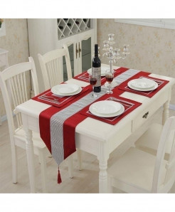 Red Flannel Tassel Diamond Table Runner 32x250cm