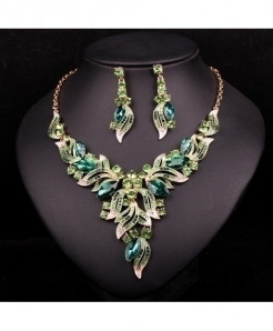 Chaoyite Green Crystal Leaves Stylish Jewelry Set