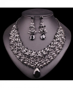 Chaoyite Black Vintage Retro Jewelry Set