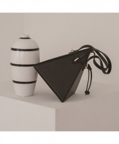 MR YLLS Black Triangle Drawstring Pu Shoulder Designer Handbag