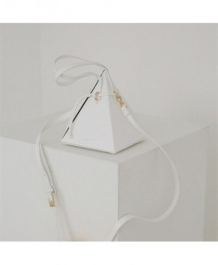 MR YLLS White Triangle Drawstring Pu Shoulder Designer Handbag