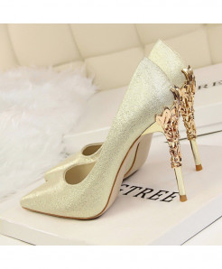 YuanXiangZhu Golden Silk Slip-On Pumps
