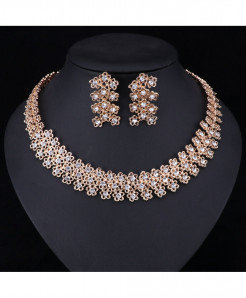 Floral Design Golden Color White Crystal Jewelry Set