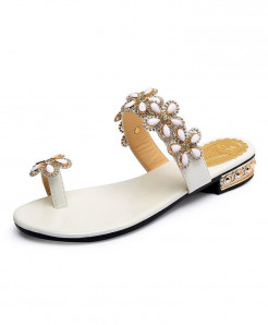 White  Sweet Diamond Toe Clamping Flats Flat Heel Flip Flops Shoes
