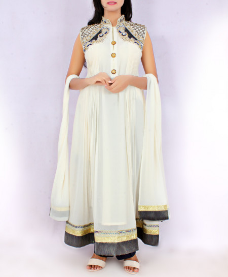 White Embroidered Stylish Ladies Suit KC-3392