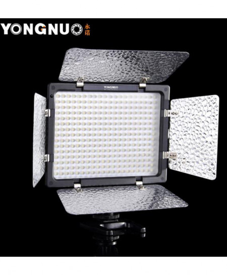 Yongnuo 18W YN-300 III LED Light with Battery Charger