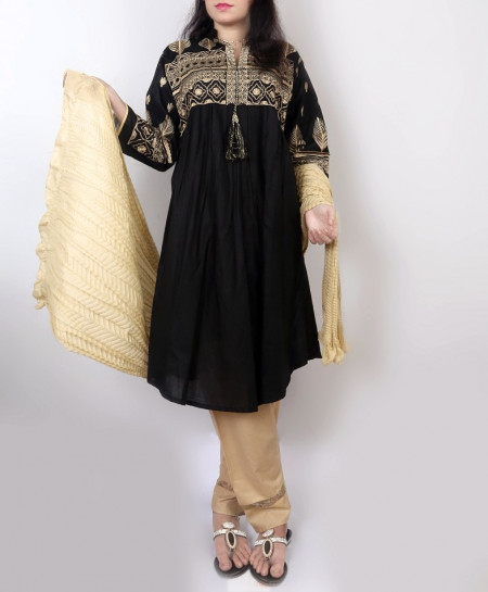 Black Embroidered Stylish Design Ladeis Suit AKG-113