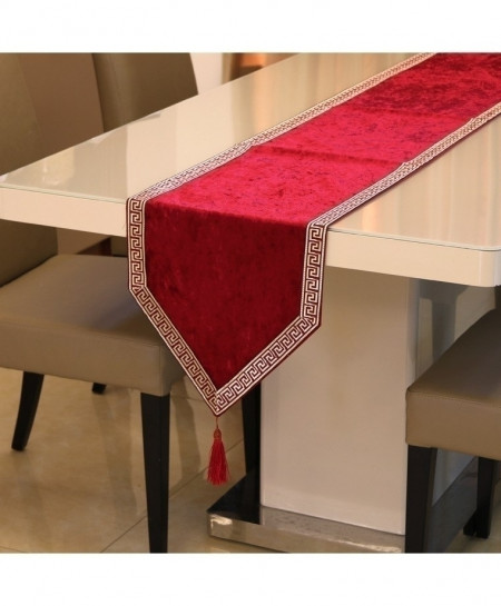Red European Velvet Table Runner 32x180cm